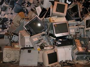 Cómo deshacerse de los muebles y ordenadores viejos